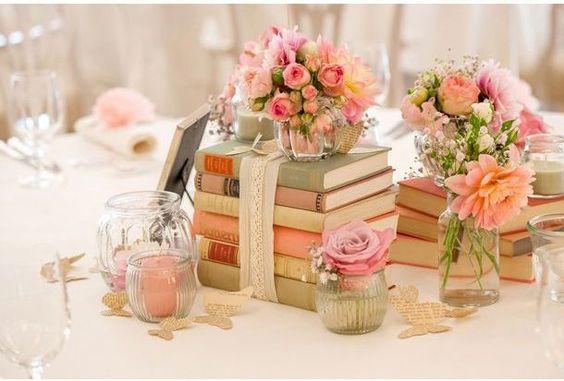 Flores y libros mesa