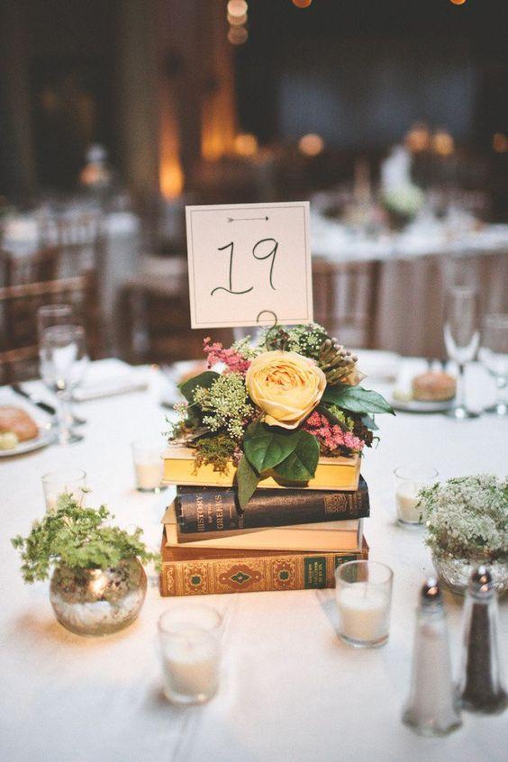Centro de mesa con libros